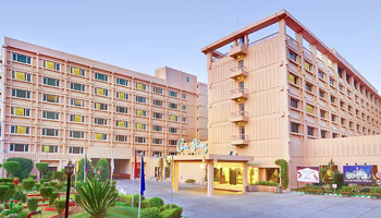 Luxury Hotel Clarks Shiraz Agra, (4 Star) Hotel in Agra | BizAgra