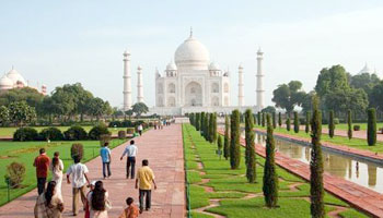 Short Trip to Agra, Agra city sightseeing tour covers Same day Trip Agra, One day Trip to Agra, Delhi Agra trip by Luxury private Car, Superfast Train. visit Taj Mahal, Agra Fort & Fatehpur Sikri in one day from New Delhi.