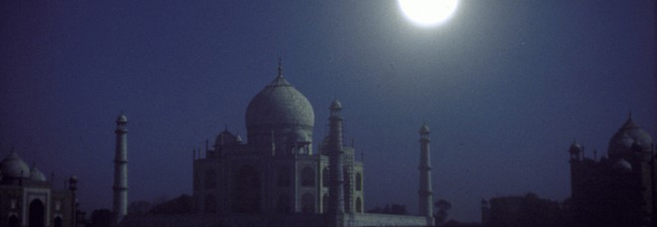 Enjoy Full Moon Nights in 2016 viewing Taj Mahal, India. Honeymoon Tour Package Agra from Delhi by road to see the Taj Mahal moonlight trip, with local English-speaking guide and ac car.